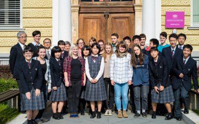 Obisk dijakov iz Minamate