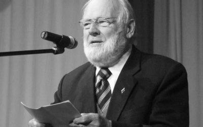 Umrl je Tomaž Pavšič